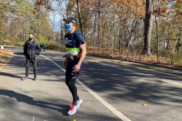 Ứng dụng dẫn đường cho người mù chạy bộ - Ảnh 1.