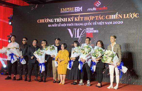 Lần đầu quảng bá văn hóa, du dịch Việt Nam qua Lễ hội thời trang quốc tế - Ảnh 1.