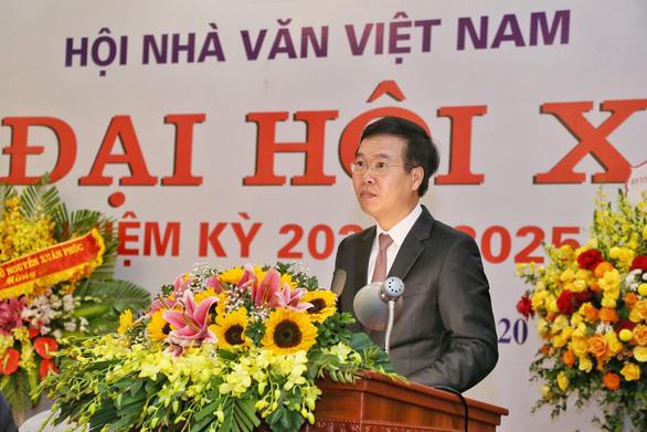 Ông Võ Văn Thưởng: Hội Nhà văn phải thúc đẩy hòa hợp dân tộc và đời sống dân chủ - Ảnh 1.