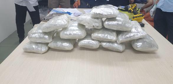 Bắt giữ 20kg ma túy các loại khi chuẩn bị xuất cảnh sang Úc - Ảnh 2.