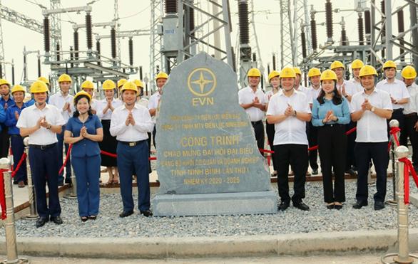 Điện lực Ninh Bình: Một chặng đường giảm tổn thất điện năng - Ảnh 3.