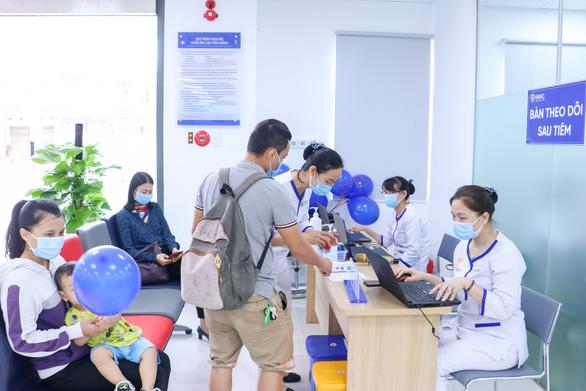 Khai trương Trung tâm Tiêm chủng VNVC Quy Nhơn - Ảnh 2.