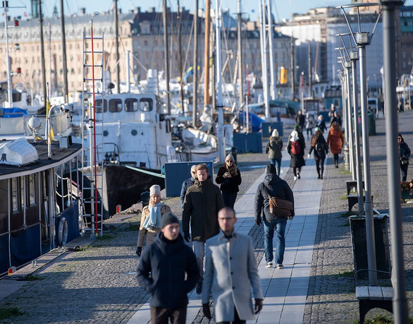 Tuổi thọ của người Thụy Điển lần đầu tiên giảm trong một thế kỷ vì COVID-19 - Ảnh 1.