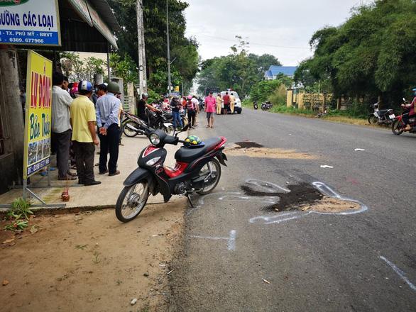 Hai nữ sinh trên đường đến trường bị xe tải cán chết - Ảnh 2.