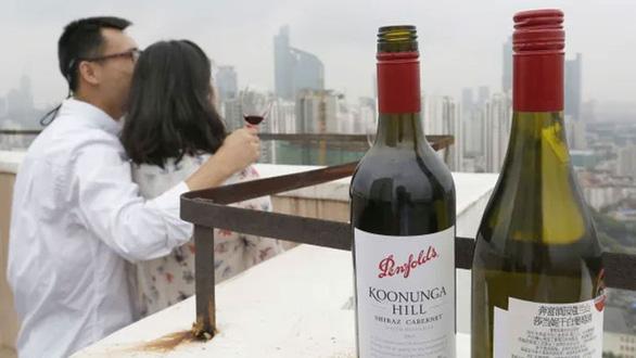 Trung Quốc áp thuế chống phá giá với rượu vang Úc - Ảnh 1.