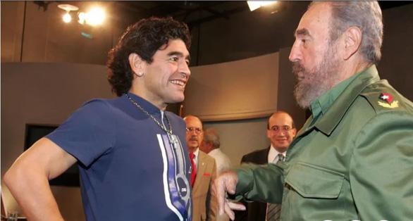 Maradona mất cùng ngày với thần tượng của ông Fidel Castro - Ảnh 1.