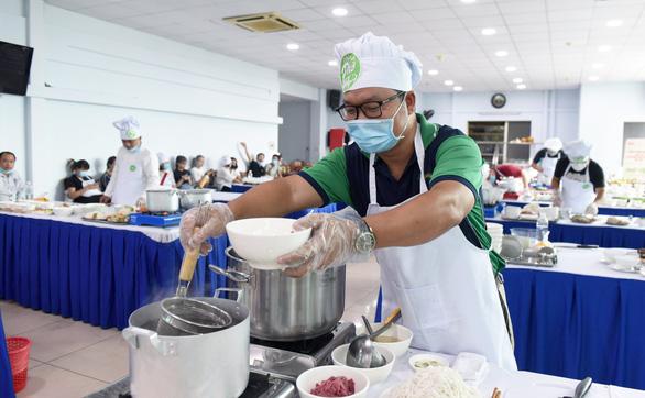 Đã tìm được 10 người nấu phở ngon, hẹn gặp ở Hà Nội ngày 12-12 - Ảnh 2.