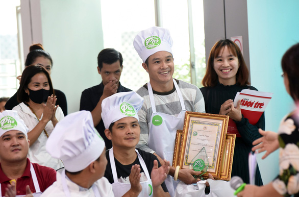 Đã tìm được 10 người nấu phở ngon, hẹn gặp ở Hà Nội ngày 12-12 - Ảnh 3.
