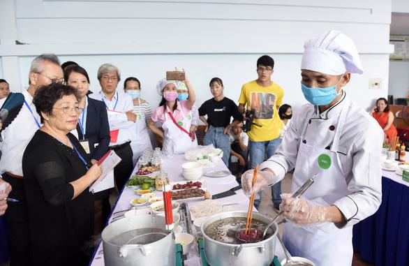 Đã tìm được 10 người nấu phở ngon, hẹn gặp ở Hà Nội ngày 12-12 - Ảnh 4.