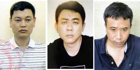 Cựu chủ tịch Nguyễn Đức Chung hầu tòa vì chủ mưu chiếm đoạt tài liệu mật - Ảnh 4.