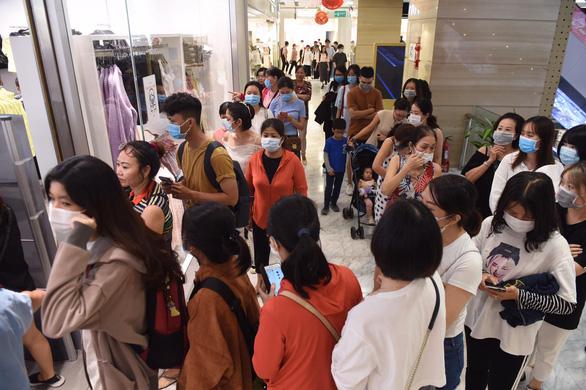 Black Friday: ưu đãi khủng mua hàng online, thanh toán thẻ - Ảnh 2.