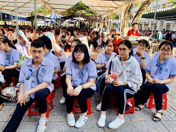 Chiều nay 28-11, tư vấn tuyển sinh hướng nghiệp tại Bà Rịa - Vũng Tàu - Ảnh 1.