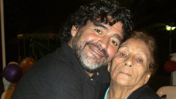 Điều hối tiếc nhất của Maradona: Tôi luôn muốn ở cạnh mẹ thêm một ngày - Ảnh 1.