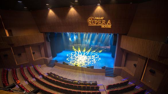 Khối công trình Hoa dã quỳ trung tâm Đà Lạt trở thành nhà hát - Ảnh 2.