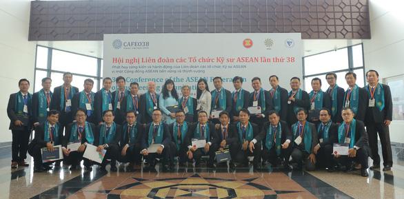 Thêm 44 kỹ sư EVNHCMC nhận Chứng chỉ kỹ sư chuyên nghiệp ASEAN - Ảnh 3.
