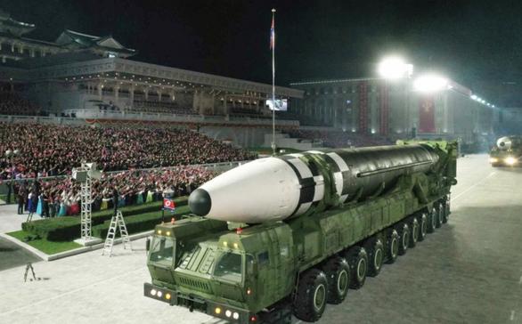 Bloomberg: ông Kim Jong Un sẽ thử nghiệm tên lửa để thăm dò ông Biden? - Ảnh 2.