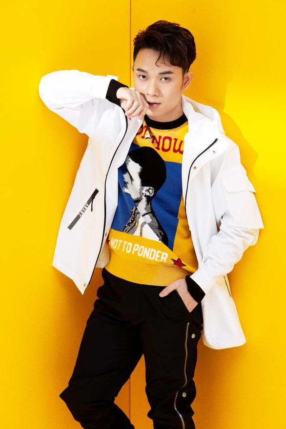Bắt tay NCT, Xóm lom com (OST Chuyện xóm tui) vào thẳng MV hot - Ảnh 2.