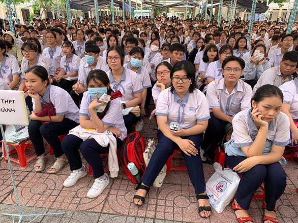 Sáng nay 29-11, tư vấn tuyển sinh, định hướng chọn ngành tại Bình Thuận - Ảnh 1.