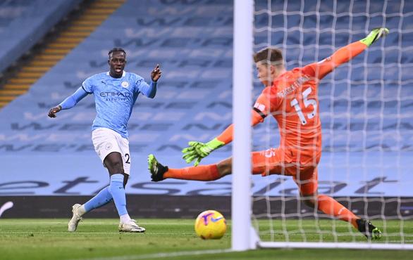 Mahrez lập hat-trick, Man City đè bẹp Burnley tại Etihad - Ảnh 2.