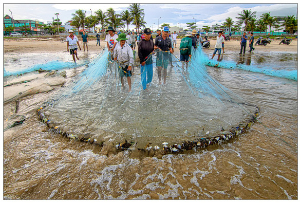 Voọc chà vá chân nâu áp đảo cuộc thi ảnh môi trường Đà Nẵng - Ảnh 11.