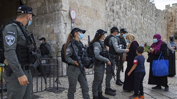 4 cô gái đi kiện vì không được làm lính biệt kích - Ảnh 3.