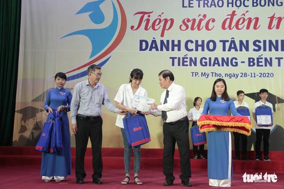 70 tân sinh viên nghèo Tiền Giang, Bến Tre được tiếp sức - Ảnh 1.