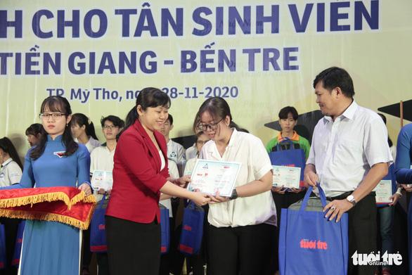 70 tân sinh viên nghèo Tiền Giang, Bến Tre được tiếp sức - Ảnh 6.