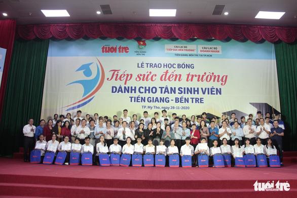 70 tân sinh viên nghèo Tiền Giang, Bến Tre được tiếp sức - Ảnh 7.
