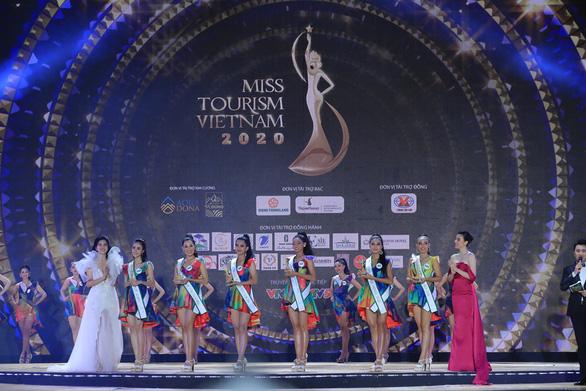 Hi hữu: Hoa khôi Du lịch Việt Nam 2020 kh.ông tìm được... hoa khôi - Ảnh 2.