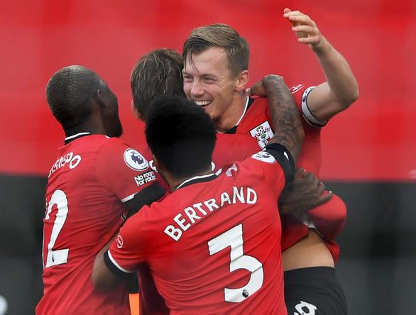 Cavani rực sáng khi vào sân, Man Utd thắng nghẹt thở Southampton - Ảnh 2.