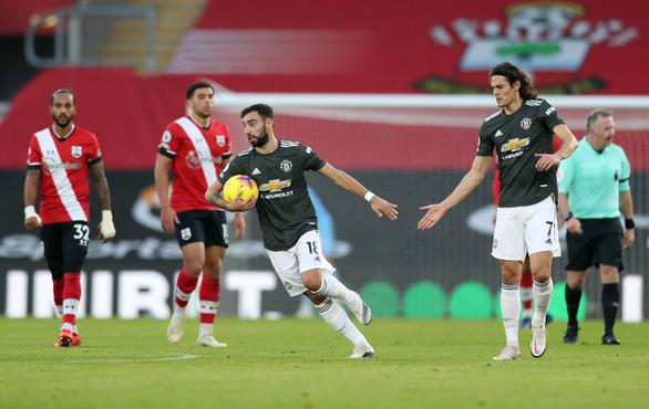Cavani rực sáng khi vào sân, Man Utd thắng nghẹt thở Southampton - Ảnh 3.