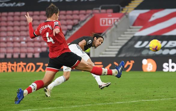 Cavani rực sáng khi vào sân, Man Utd thắng nghẹt thở Southampton - Ảnh 5.