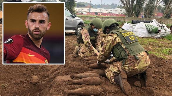 Phát hiện 20 quả bom chưa nổ ở sân tập của AS Roma - Ảnh 1.