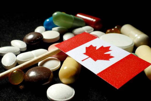 Sợ Mỹ mua vét thuốc men, Canada vội chặn xuất khẩu - Ảnh 1.