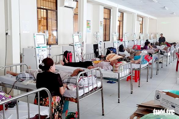 Cà Mau: Bệnh viện và đối tác lời to vì thu theo mức giá tạm thời - Ảnh 2.