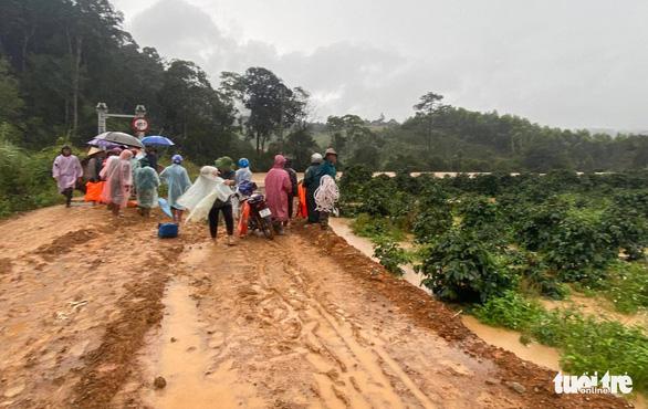 Nước lũ cuốn mất tích 2 du khách trong Vườn quốc gia Bidoup, Núi Bà - Ảnh 1.