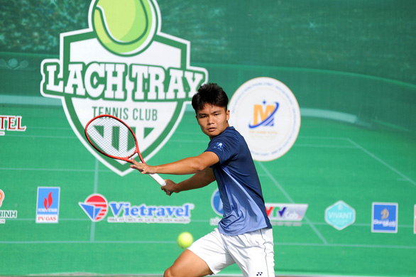 Đánh bại Lý Hoàng Nam, Linh Giang vô địch giải VTF Masters 500-2 - Ảnh 1.