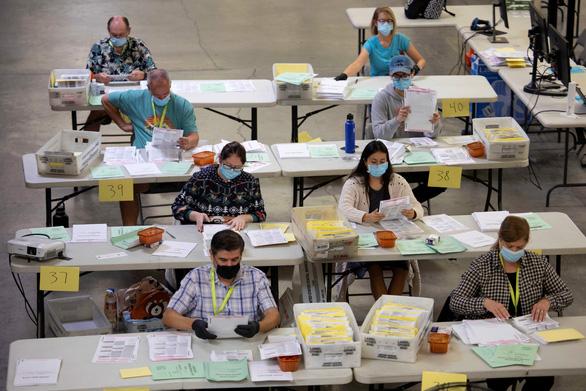 Bầu cử Mỹ 2020: Kiểm phiếu cũng đầy phức tạp - Ảnh 3.