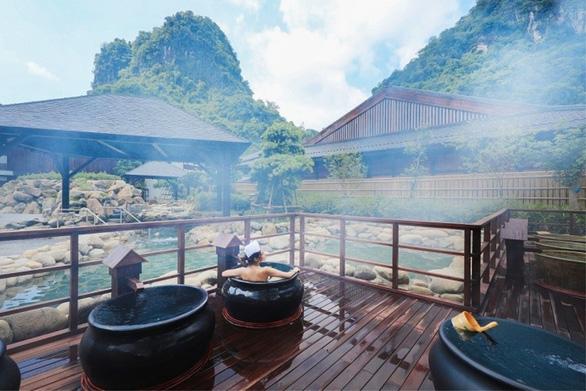 Quảng Ninh có gì hút khách du lịch đông xuân, đánh bại điểm yếu mùa vụ? - Ảnh 1.