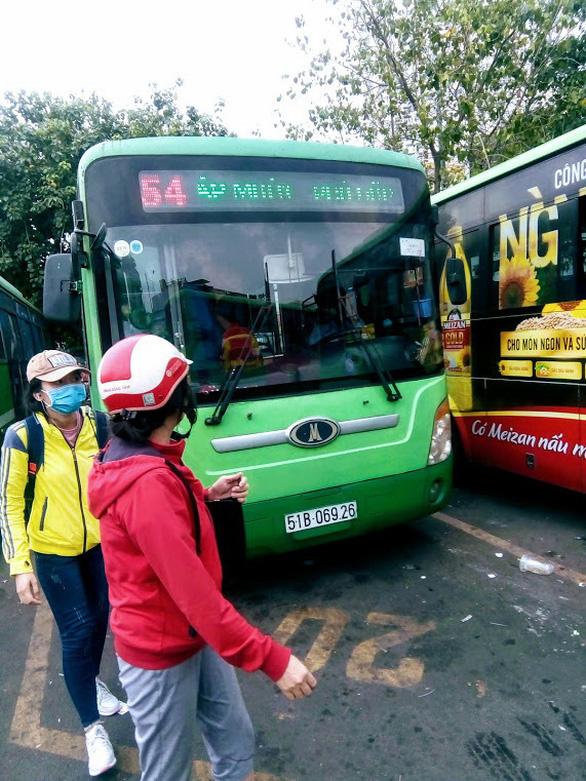 Xe buýt chưa hiệu quả - Ảnh 1.