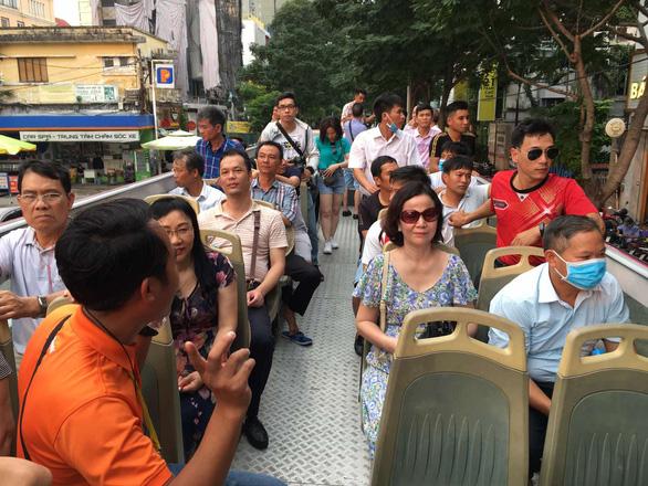 Chưa mở cửa đón khách quốc tế, du lịch dồn ưu đãi cho khách nội - Ảnh 1.
