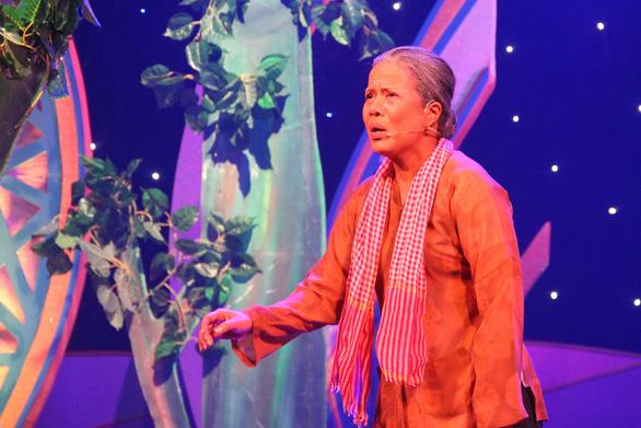 Hội ngộ anh tài ở Tài năng diễn viên sân khấu cải lương Trần Hữu Trang - Ảnh 2.