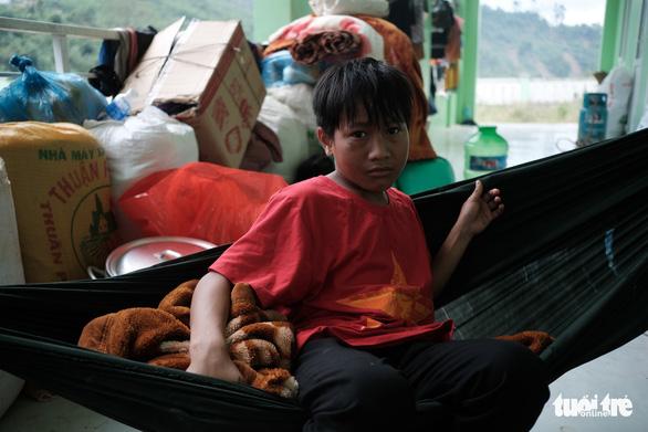 Lo chỗ ở cho dân mất nhà tại vùng sạt lở Phước Sơn - Ảnh 5.