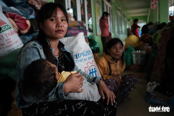 Lo chỗ ở cho dân mất nhà tại vùng sạt lở Phước Sơn - Ảnh 1.