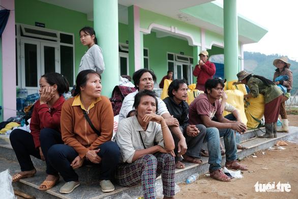 Lo chỗ ở cho dân mất nhà tại vùng sạt lở Phước Sơn - Ảnh 2.