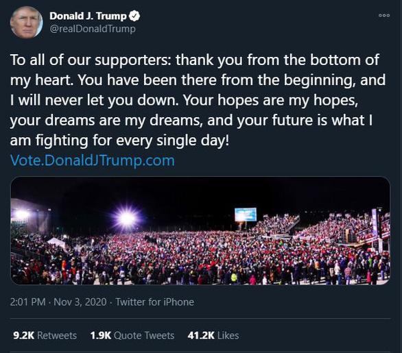 Trump và Biden không ngủ, đấu nhau tới hơn 2h sáng trên Twitter - Ảnh 1.