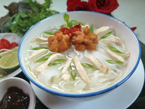 Phở cá linh - chuột đồng, món hoa khôi nức tiếng giang hồ mùa nước lũ - Ảnh 1.