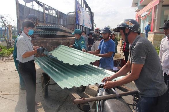 Dựng lại mái nhà cho dân Quảng Ngãi - Ảnh 1.