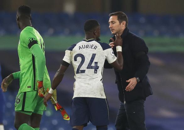 Hòa Chelsea, Tottenham trở lại ngôi đầu bảng - Ảnh 3.