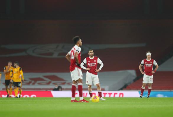 Điểm tin thể thao sáng 30-11: Arsenal thua trên sân nhà, huyền thoại World Cup của Senegal qua đời - Ảnh 1.
